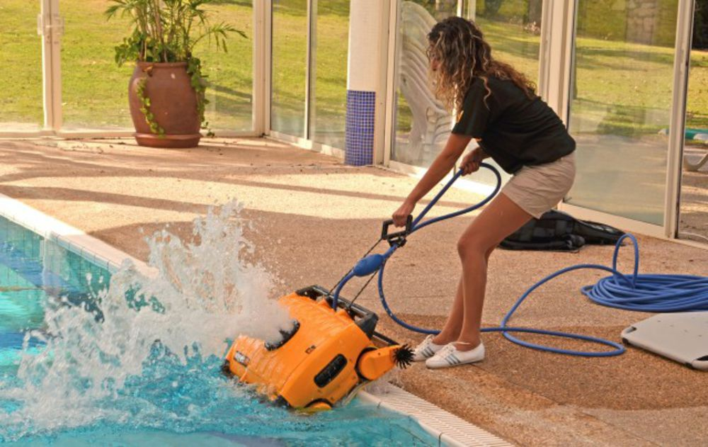 Dolphin Wave 300 Automatic Commercial Pool Cleaner